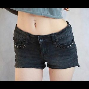 Hot Topic Lovesick Holes Low Rise Short Shorts !